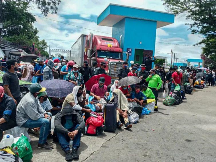 Le Nicaragua, autre pays d'exil (entretien avec Hélène Roux / Julie Gacon/ Les enjeux internationaux, France Culture)