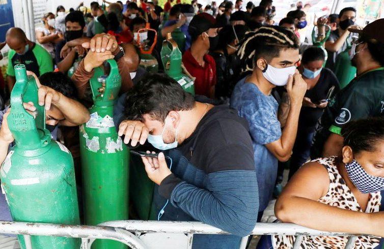Manaus, dernier cercle de l'enfer pandémique (Chantal Rayes / Le Temps)