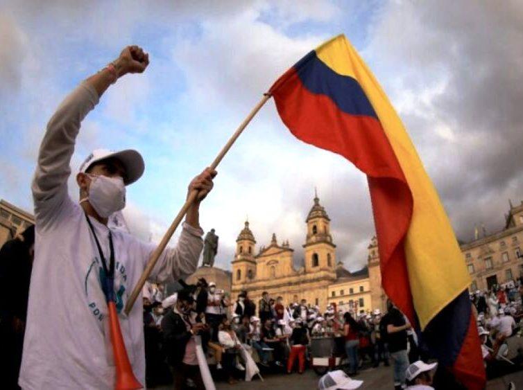 La justice transitionnelle en Colombie est-elle pro-FARC ? (entretien avec Mathilde Allain par Julie Gacon / France Culture)