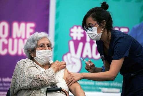Chili: course à la vaccination contre la Covid-19  (Espaces Latinos / Justine Fontaine – Libération)