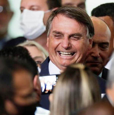 La covid-19 rebat les cartes politiques au Brésil (entretien avec Christophe Ventura / Xavier Sartre – Vatican News)