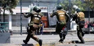 Chili : un policier en détention après avoir abattu un jongleur (Euronews / AFP / Déclaration de l'Association d'ex prisonniers politiques chiliens – France)