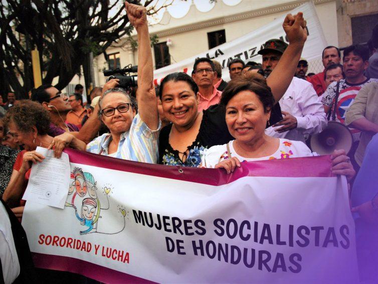 Ouragans, pandémie, dettes et violence : ce contre quoi les femmes du Honduras se battent (Yamileth González / Capire)