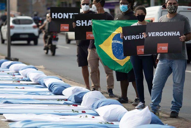 L'Amérique latine à l'épreuve de la pandémie (entretien avec Pierre Salama et Christophe Ventura / Marie-France Chatin / RFI)