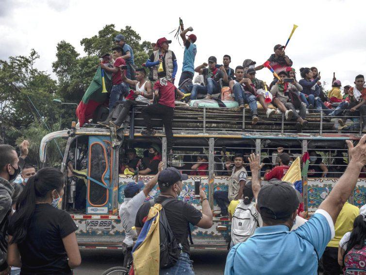 """Colombie: """"el paro no para"""" (revue de presse)"""
