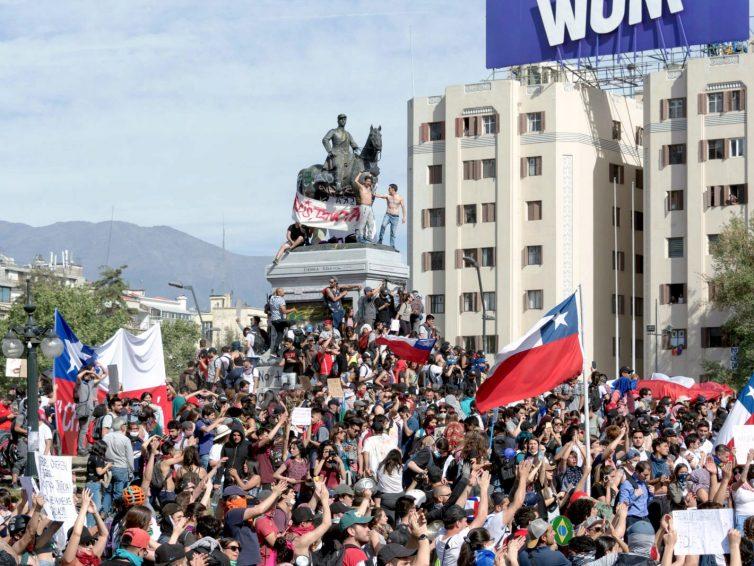 2021 au Chili : une boussole politique pour le monde (Manuel Alcántara, Paulina Astroza, Karol Cariola, Olivier Compagnon, Marco Enríquez-Ominami, Pamela Figueroa, Giorgio Jackson / Grand Continent)