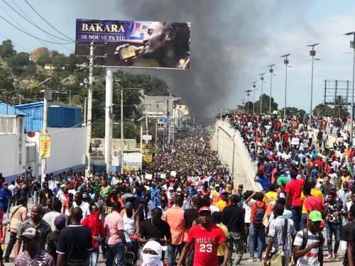 Coup d'État constitutionnel en Haïti: le double jeu de l'OEA et de l'ONU en appui au PHTK néoduvaliériste (Robert Berrouët-Oriol / Le National)