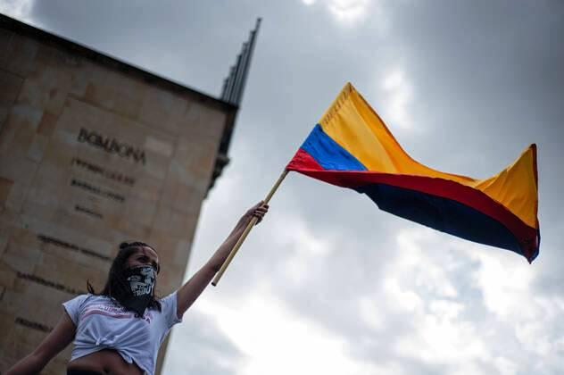 """El estallido colombiano"" (éditorial de Mathilde Allain / IHEAL)"