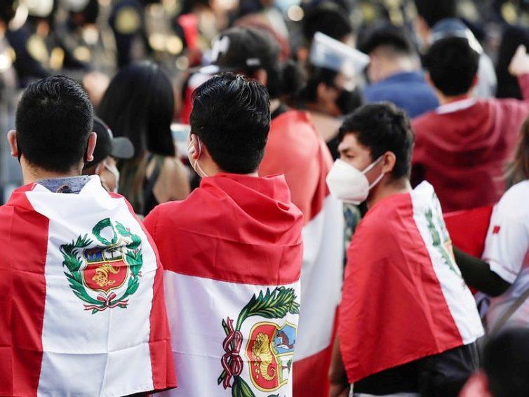 Ballotage au Pérou : la gauche peut-elle l'emporter ? (Lucas Malaspina et Marcos Doudtchitzky – La Diaria / Traduction par Paul Haupterl – Contretemps)