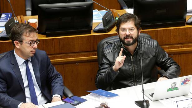 Chili : deux jeunes centristes remportent les primaires avant la présidentielle (Le Figaro / AFP)