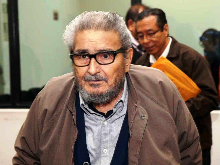Pérou : le sort du corps d'Abimael Guzmán, fondateur du Sentier lumineux, pose question (Amanda Chaparro / Le Monde)